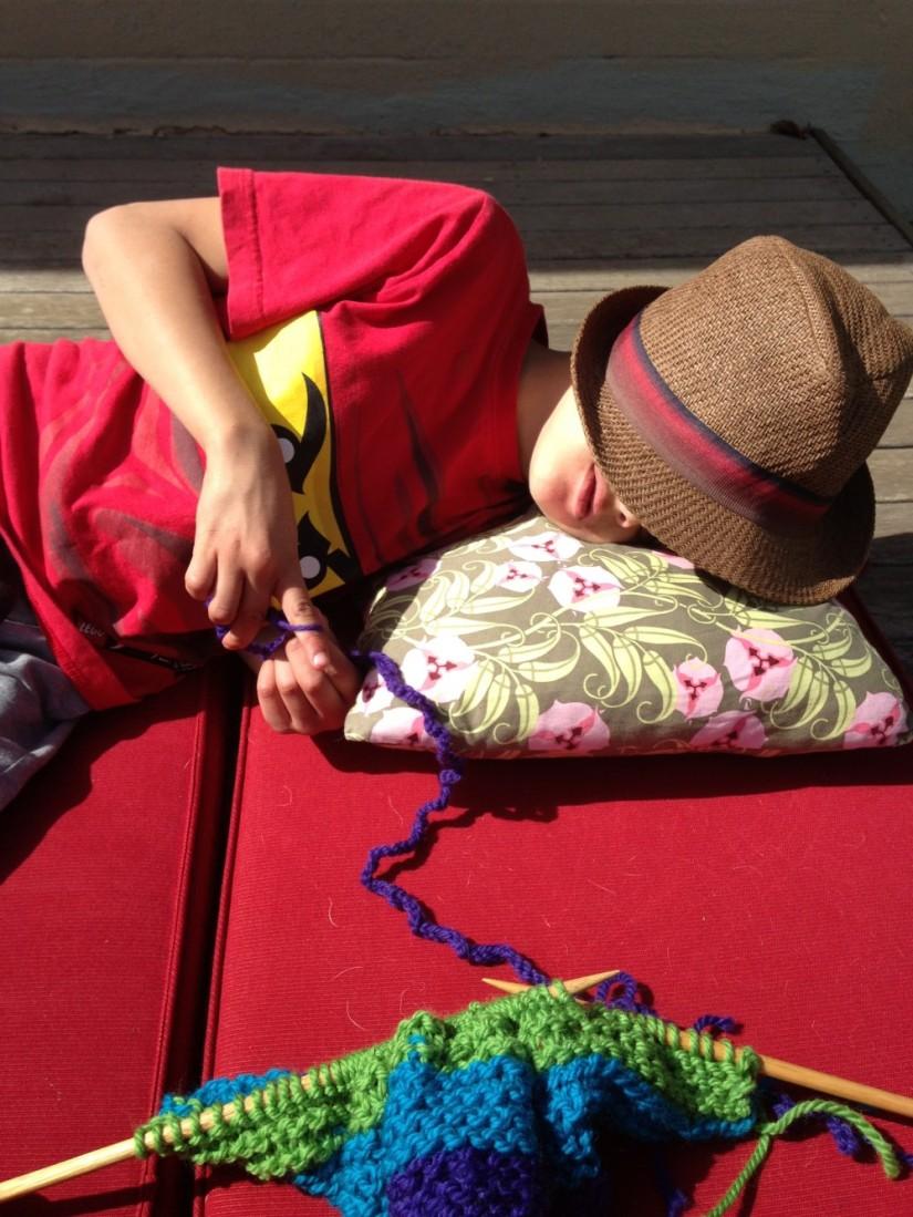 Yarn bomb {making}